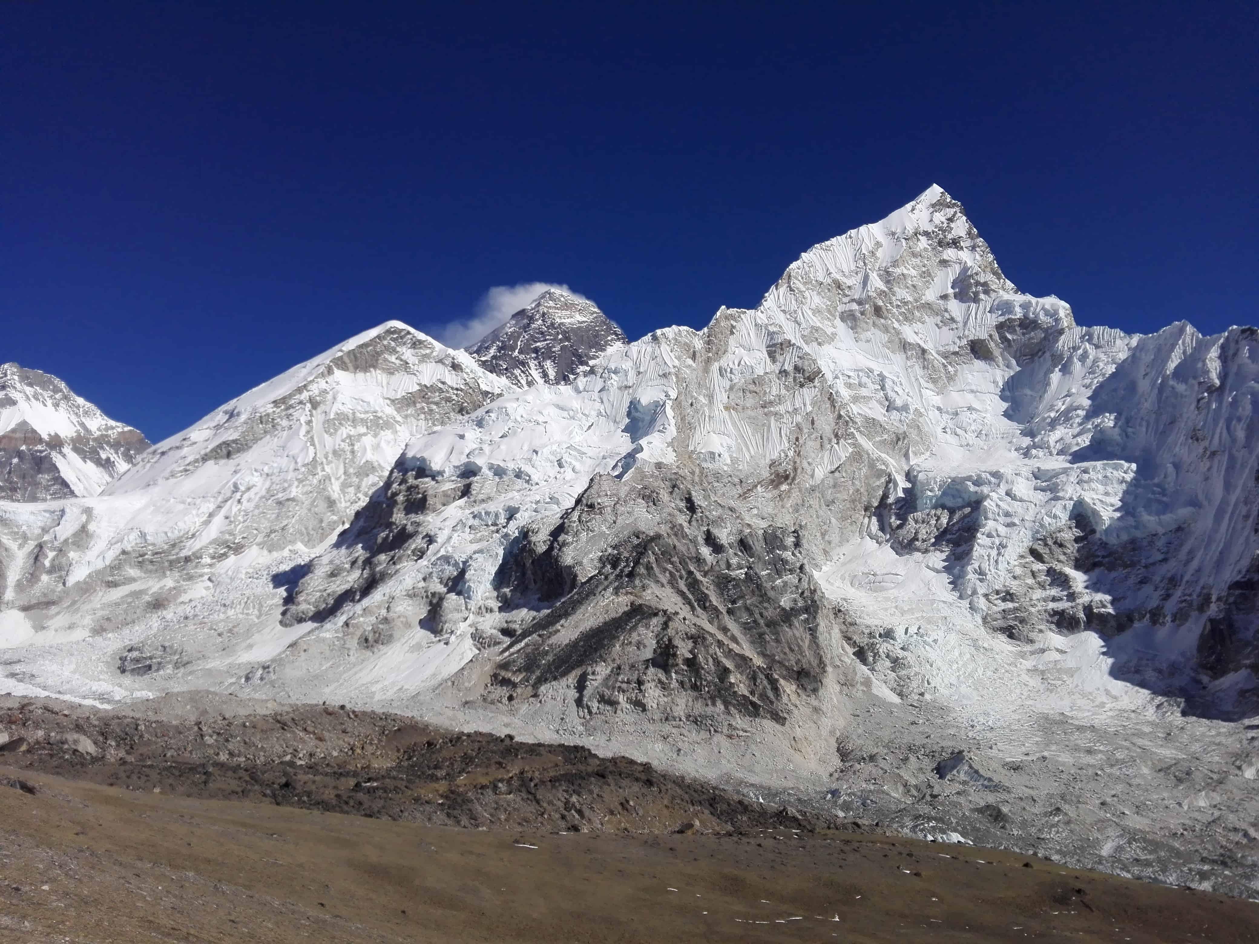 Everest-base-camp-3